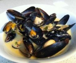 Fragrant Thai Mussels