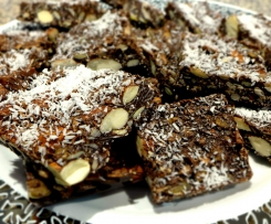 LCHF Chocolate Nutty Crunch, Dairy Free with Paleo option