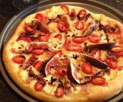 Pesto Pizza with Prosciutto, Mozzarella and Fig
